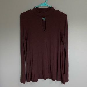 Maroon American Eagle V-neck cut out longsleeve
